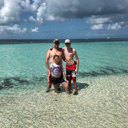 Goff's Caye: photo4.jpg
