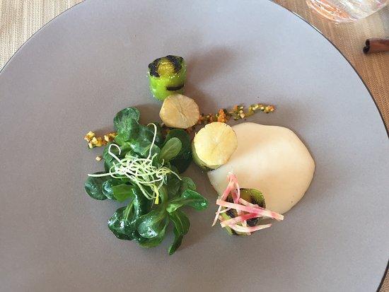 Le Locle, Швейцария: Poireaux braisés et salade de doucette, un délice