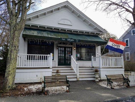 Beth's Bakery & Cafe: Open Sundays