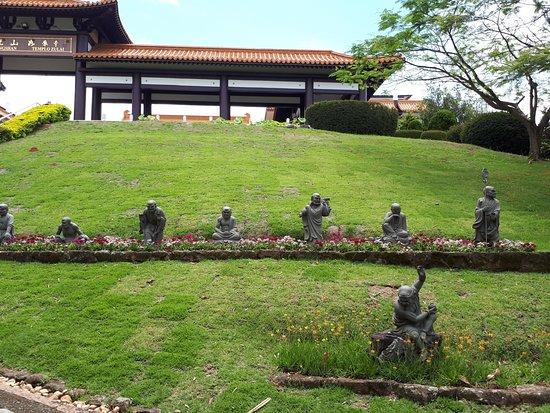 Cotia, SP: Entrada do templo