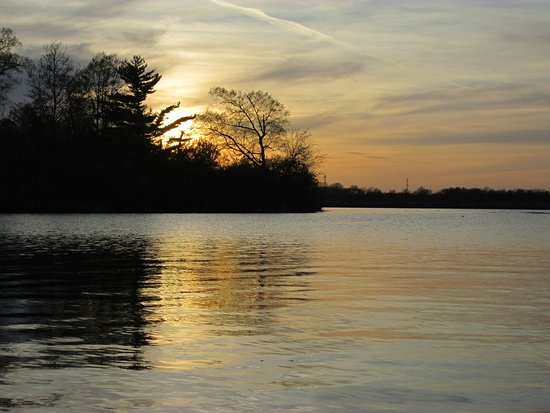 Granite City, IL: Sunset over Horseshoe Lake