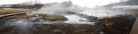 Fludir, أيسلندا: Pool Surround