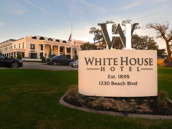 White House Hotel Biloxi Ms Exterior Front W Sign On Beach