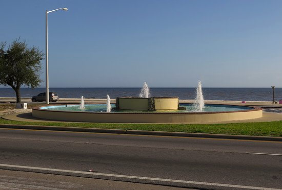 White House Hotel Biloxi Ms Famous Fountain On Beach Blvd