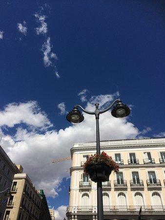 Puerta del sol madrid centro fotos y restaurante for Telefono puerta del sol