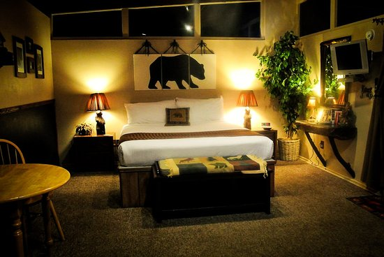 REDWOODS RIVER RESORT & CAMPGROUND $109 ($̶1̶2̶1̶