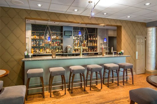 Omni Charlottesville: Bar/Lounge