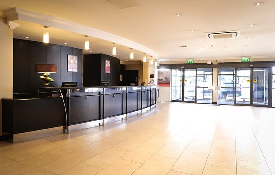 Crowne Plaza Manchester Airport: Lobby