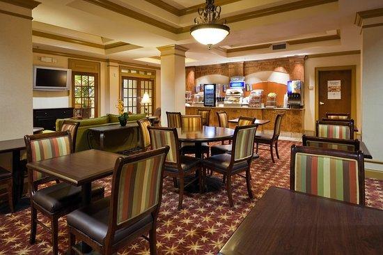 Pell City, AL: Restaurant