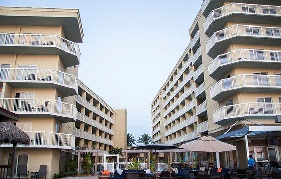crowne plaza melbourne oceanfront 189 2 3 1. Black Bedroom Furniture Sets. Home Design Ideas