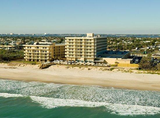 Crowne Plaza Melbourne Oceanfront Hotel