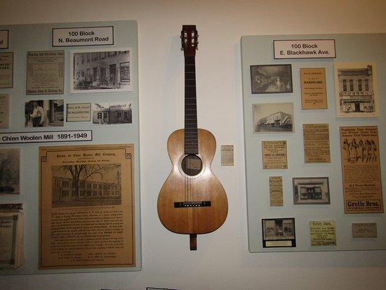 Prairie du Chien, Висконсин: The guitar