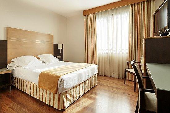 Hotel Blanca de Navarra: Guest room