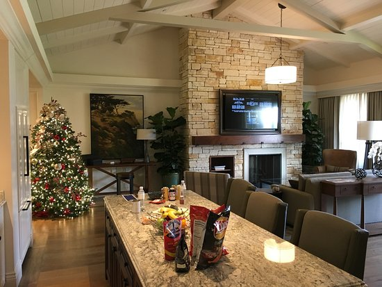 Kitchen Island Living Room Christmas Tree Picture Of The