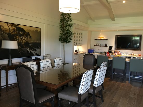 Superieur The Lodge At Pebble Beach: Dining Room/kitchen