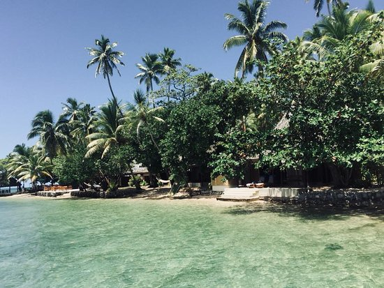 Toberua Island, Fiji: Our Bure on the right (steps down to the beach)