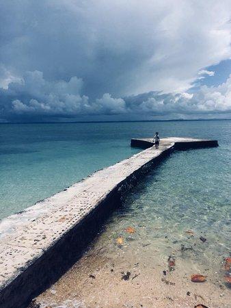 Toberua Island, Fiji: Exploring the pier near our room