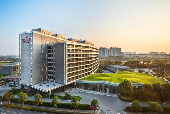 Review Of Crowne Plaza Shanghai Xiayang Lake Hotel China