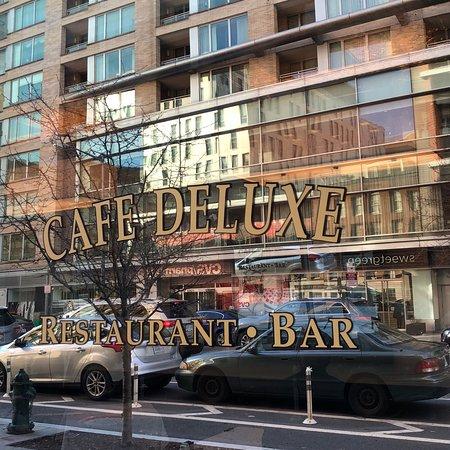 Cafe Deluxe West End Dinner Menu