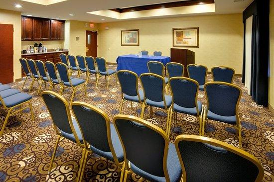 East Brunswick, NJ: Meeting room
