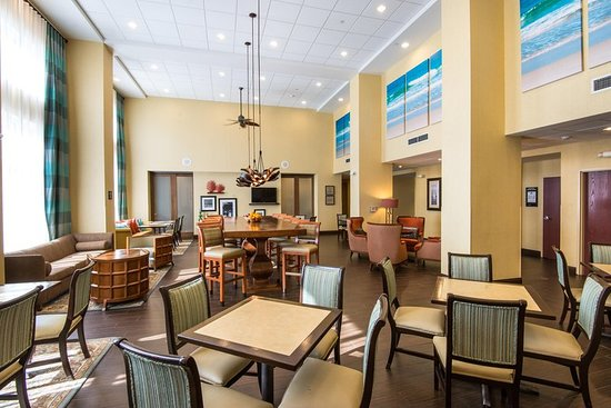 Hampton Inn & Suites Fort Myers - Colonial Blvd: Lobby