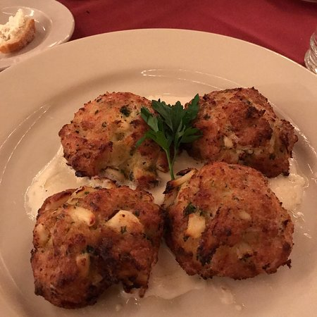 Chester, NY: Lump Crab Cakes