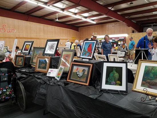 San Benito, TX: We have art classes. Exhibition day..showing off their things they worked on this season.