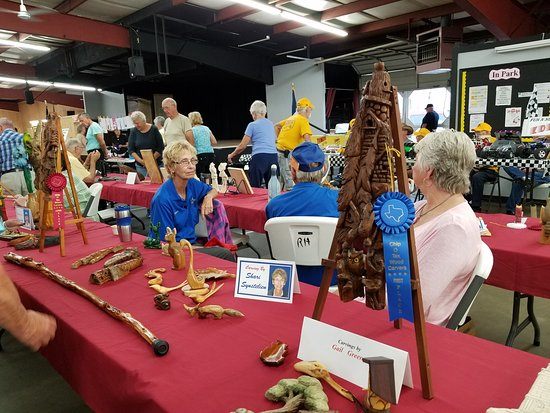 San Benito, TX: Wood carving exhibition