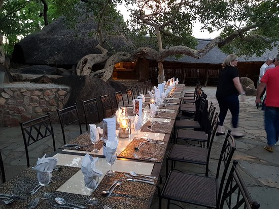 Mabula Game Lodge: Fantastic outdoor Dining areas