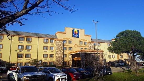 Comfort Inn: The Main Entrance ...