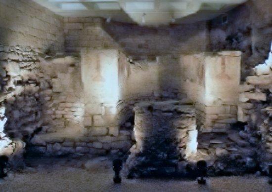 Bari, Italie : Sotterraneo di Palazzo Simi con i resti della chiesa bizantina