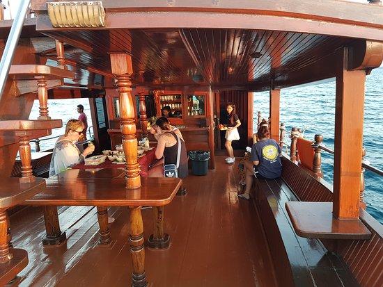 Khao Lak Land Discovery: Dolphin Cruise