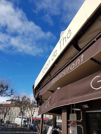 Salon de the michel marshall saint remy de provence for Restaurant a salon de provence