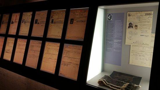 Bergen, ألمانيا: Papirer på nogle af fangerne.