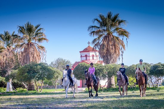 Riding Academy of Crete - Ippikos Riding Club: Beautiful cretan mountain churches