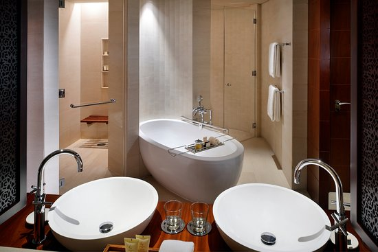 Park Hyatt Dubai: Bathroom