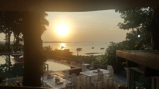 เอราวัณ กระบี่บีชรีสอร์ท: Arawan Krabi Beach Resort