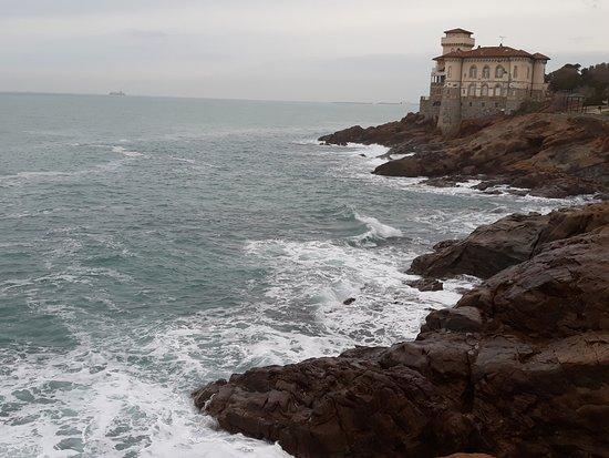 Costiera di Calafuria: panorama scogliera