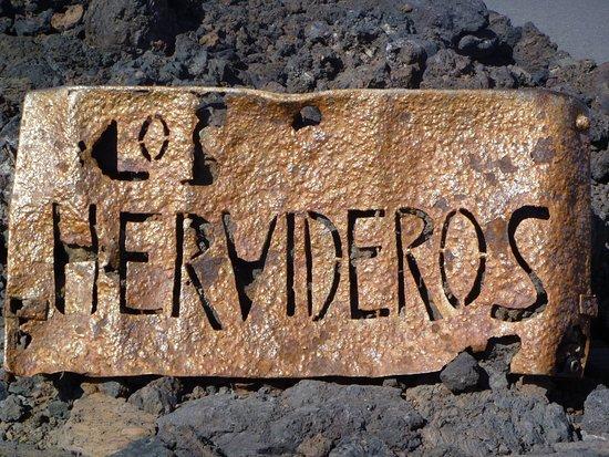 Los Hervideros sign