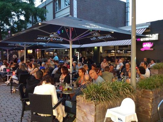 Panningen, Ολλανδία: Gezellig terras
