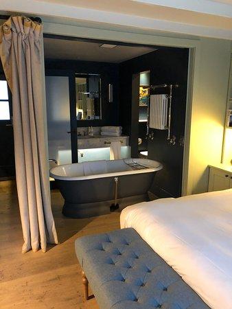 The Gallivant: Just my dream bathroom