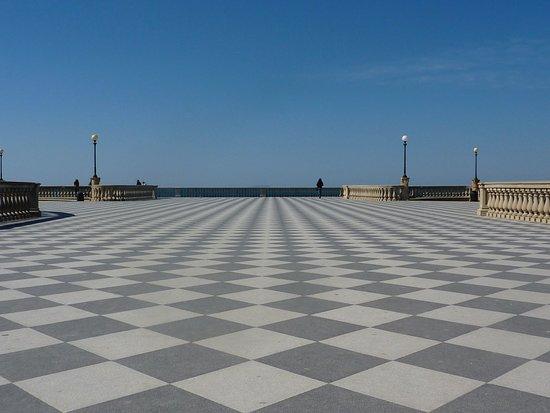 grandangolo sul pavimento - Picture of Terrazza Mascagni, Livorno ...