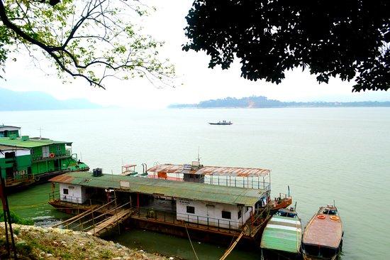 Brahmaputra River: River View