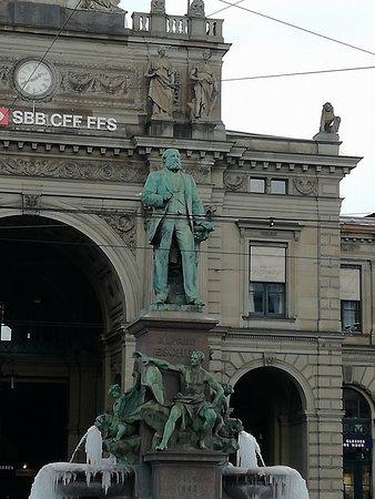 Alfred Escher monument