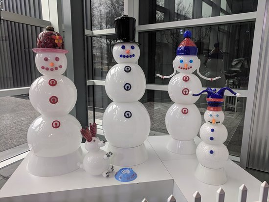 Corning, NY: cool snowman all made out of glass