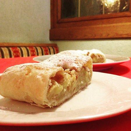 Bleggio Superiore, Italie : Strudel di mele del Belggio.