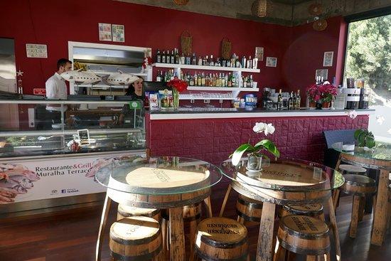 Restaurant U0026 Grill Muralha: Moderne Einrichtung