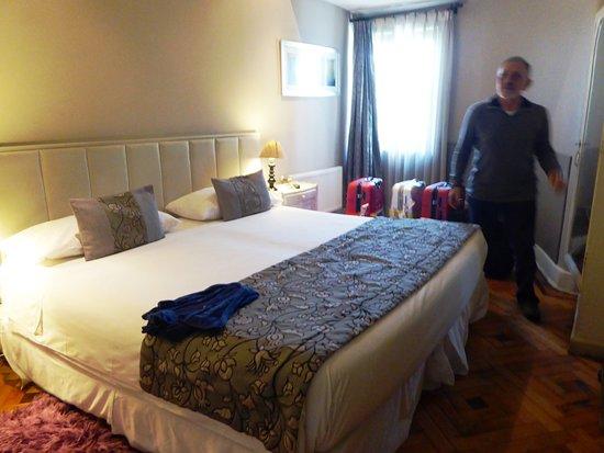 Mito Casa Hotel: Chambre à coucher