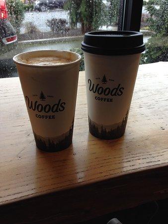 Blaine, Ουάσιγκτον: 美式咖啡和焦糖瑪奇朵