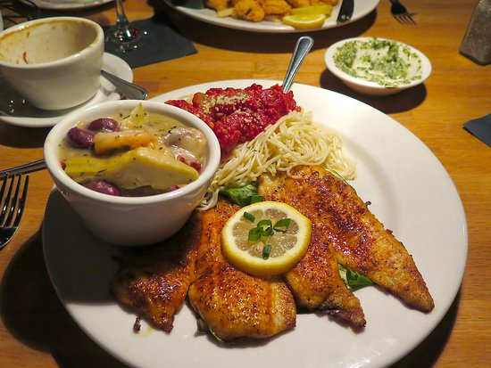 Salute Italian Seafood Restaurant Gulfport Ms Bar Area Fried Flounder